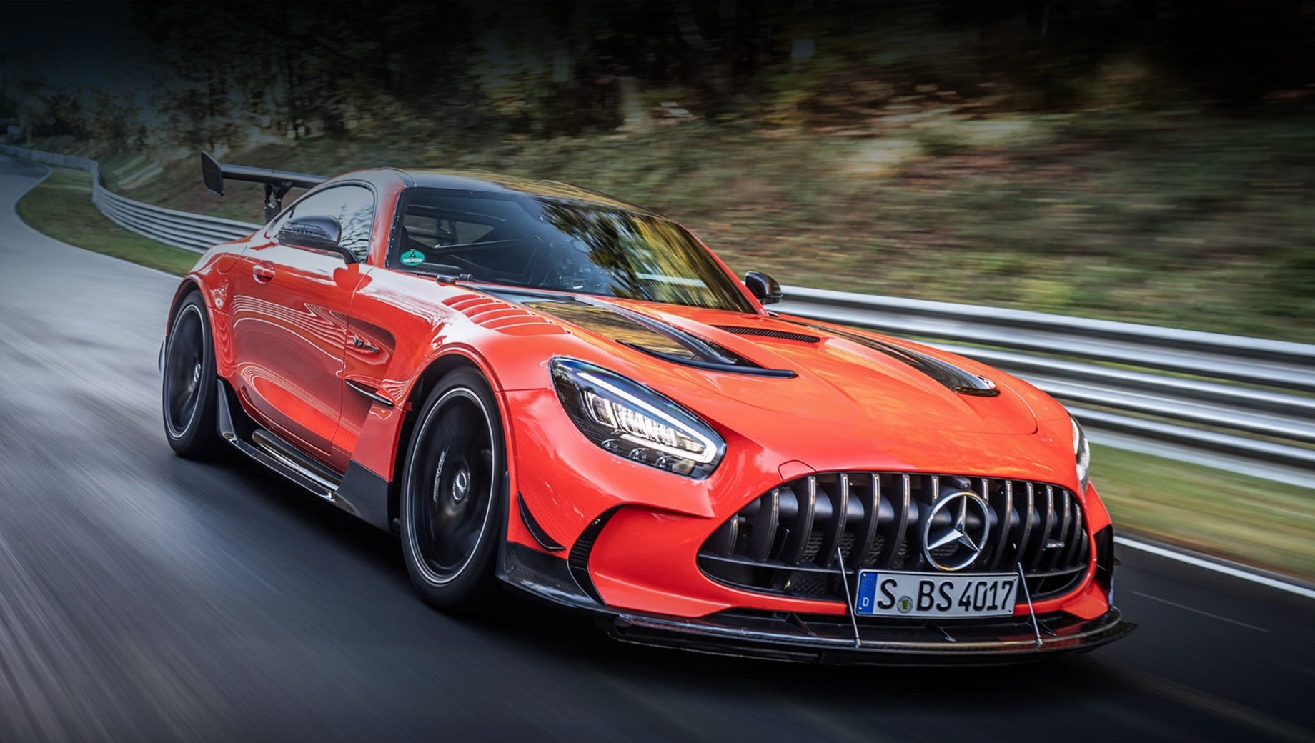 Mercedes-AMG GT Black Series стал быстрейшим на Нордшляйфе